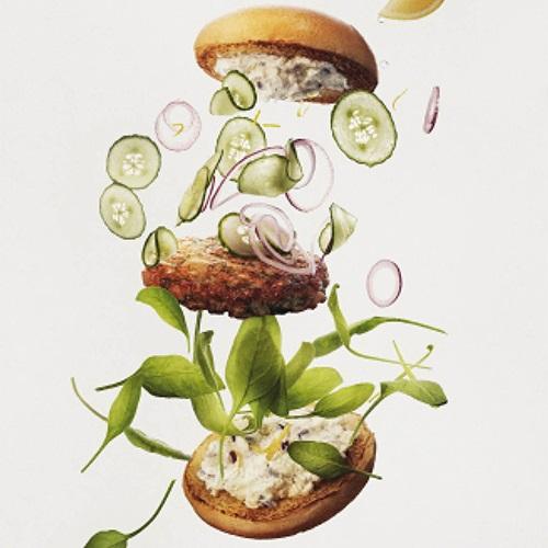 Seiburger med sitron, fetaost og rødløk