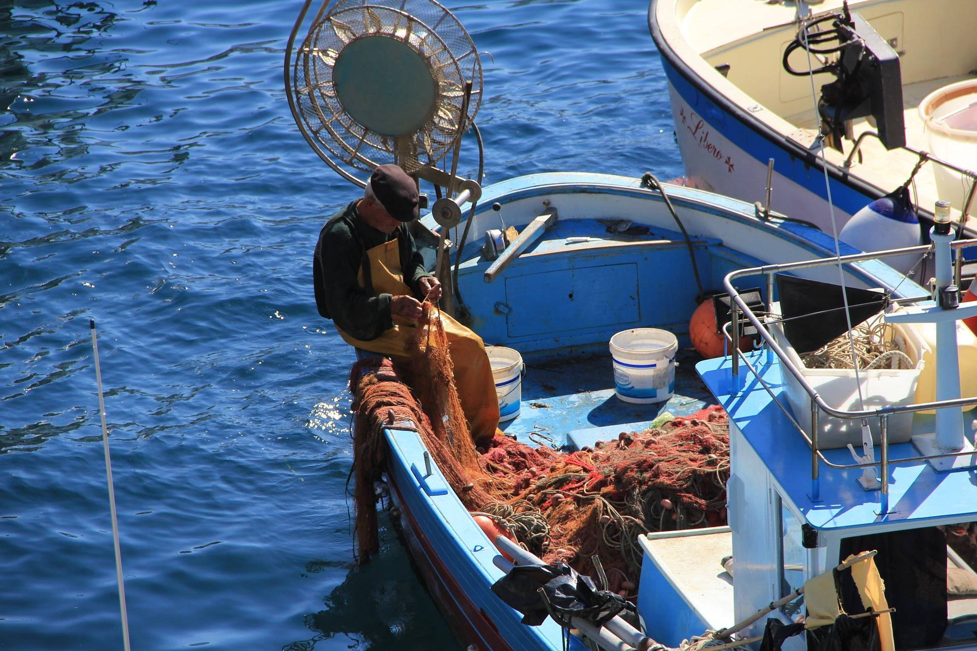 fisherman-834794_1920