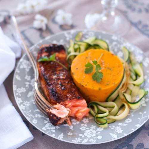 pave de saumon, puree de potimarron et tagliatelles de courgette