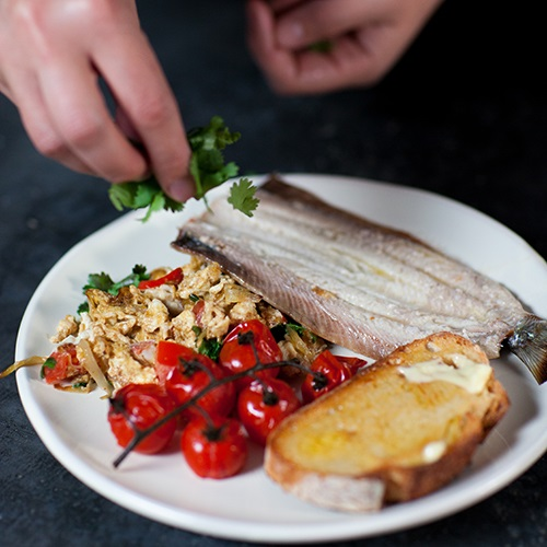 Grilled herring with Indonesian scrambled eggs
