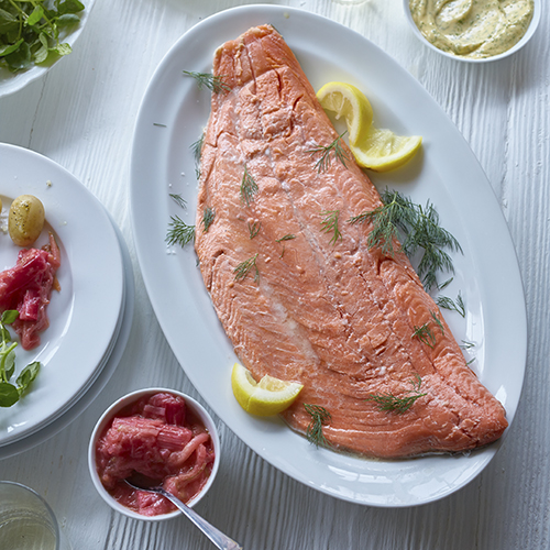 Salmon with rhubarb and dill mayo