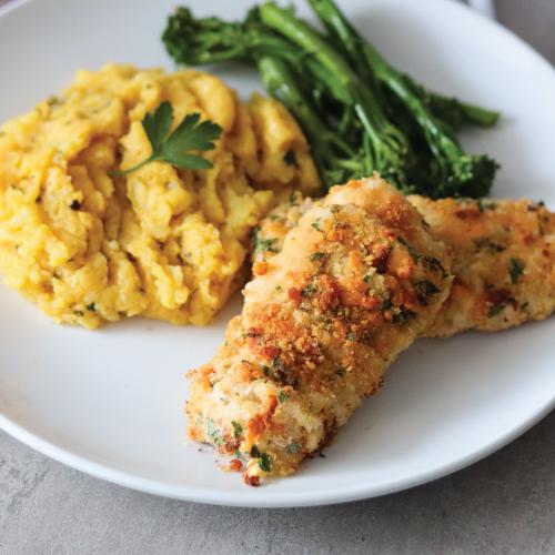 Crispy hake with spicy mashed potatoes & tenderstem broccoli