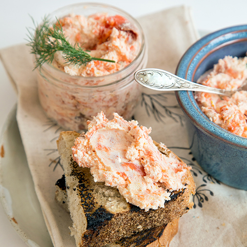 Smoked salmon rillette