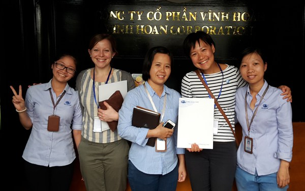 Yan (second right) with colleague and women from the MSC certified plant in Dong Thap, Vietnam